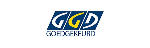 De studio en werkwijze zijn recentelijk goedgekeurd door de GGD SLEEUWITS TΔTOEΔGE & HUID VERBETERING.